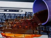 пролили жидкость на ноутбук